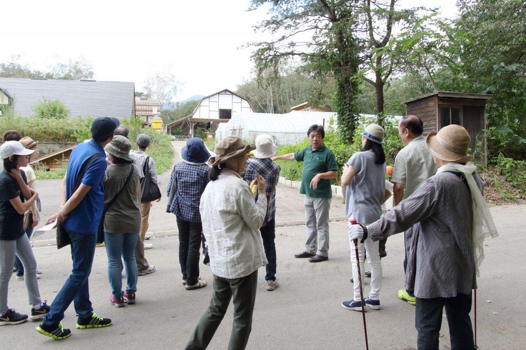 当農場代表・宮嶋望の農場案内ツアー。