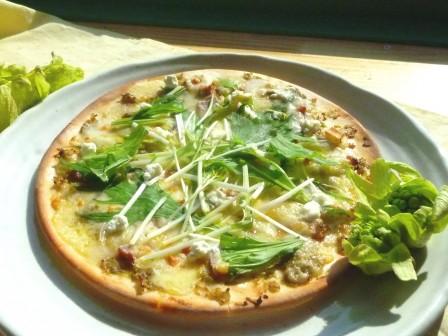 ふきのとう味噌のピザ